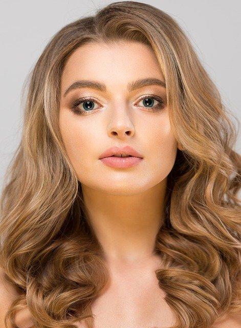 best hairsprays to hold curls